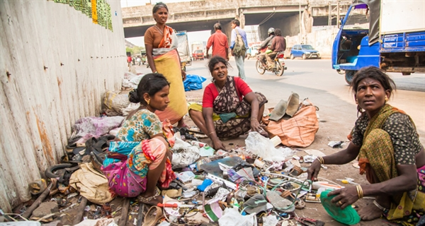 Women disproportionately vulnerable to health risks from chemical and waste pollution